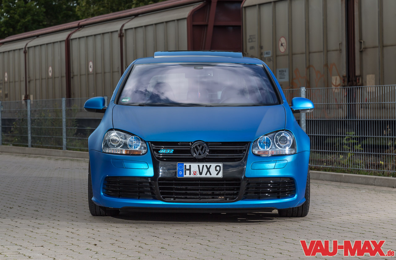 the real thing vw golf 5 r32 macht blau fotostrecke. Black Bedroom Furniture Sets. Home Design Ideas