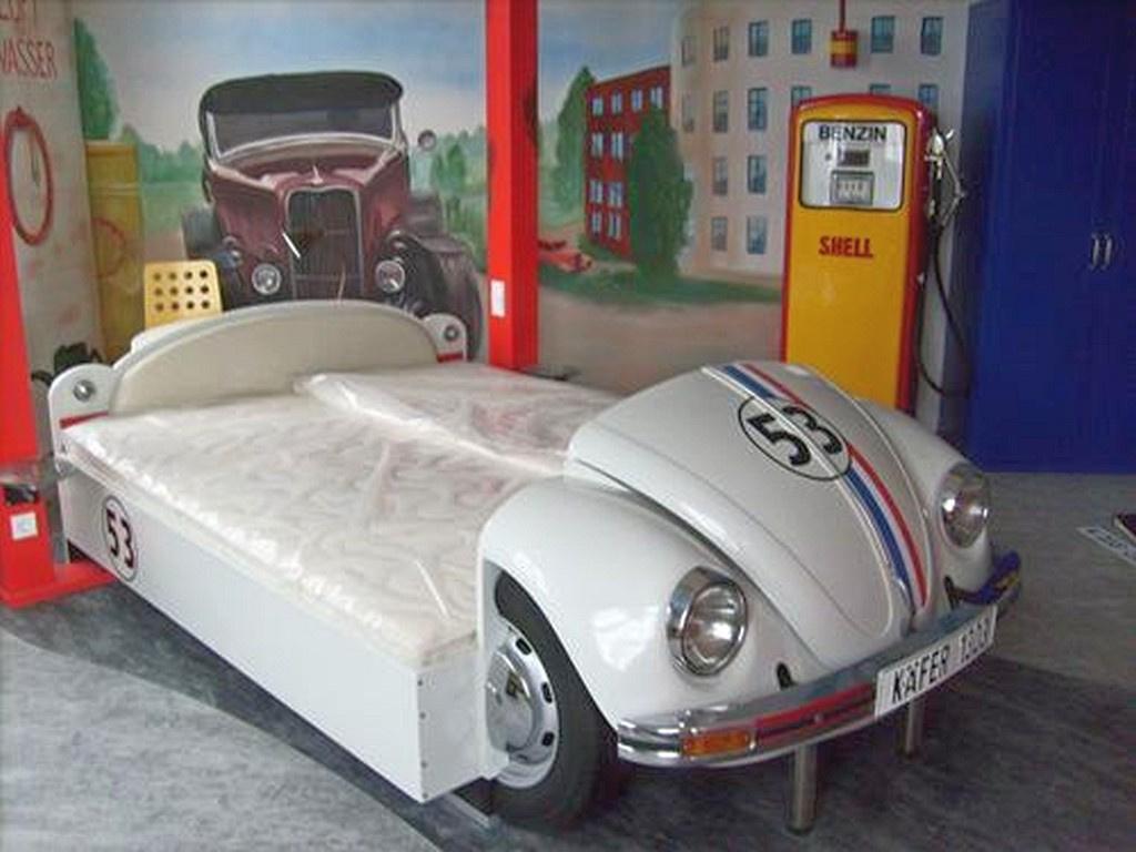 Möbel aus Autos – der Käfer im Schlafzimmer als Hingucker: Martin ...