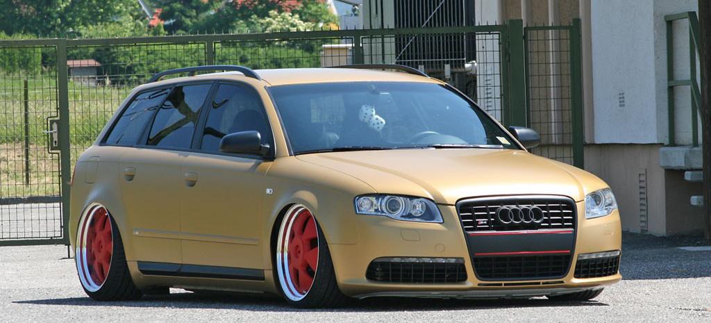 Manche treiben s bunt 2007er audi a4 avant in goldmatt for Audi a4 interieur tuning