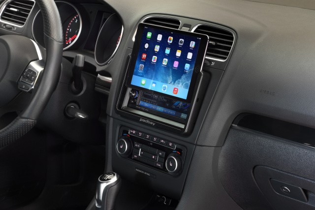 padbay auf der essen motor show perfekte integration geniale app f r ipad mini user im auto. Black Bedroom Furniture Sets. Home Design Ideas