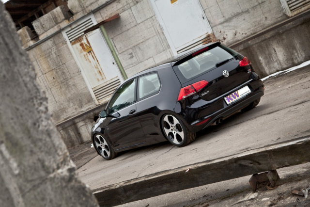 tuning f r den vw golf 7 mit kw geht s tiefer maximale. Black Bedroom Furniture Sets. Home Design Ideas