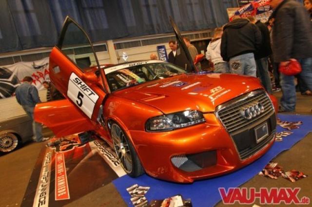 + Audi A6 4F Avant Schraubensatz V2A Edelstahl für Kennzeichenbeleuchtung +