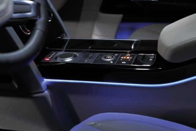 hella beleuchtung auch im innenraum licht akzente im innenraum vom kleinwagen bis zum. Black Bedroom Furniture Sets. Home Design Ideas