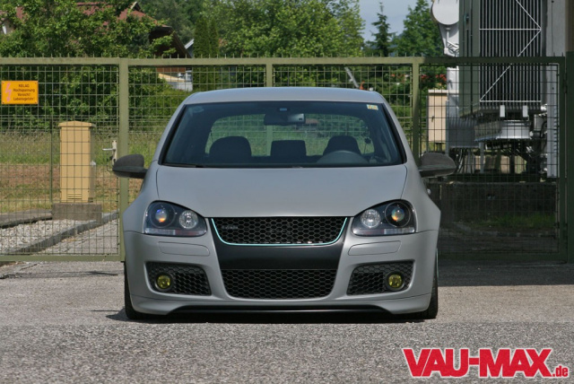 grauer alltagsfahrer golf 5 gti in roti topform klein hat. Black Bedroom Furniture Sets. Home Design Ideas